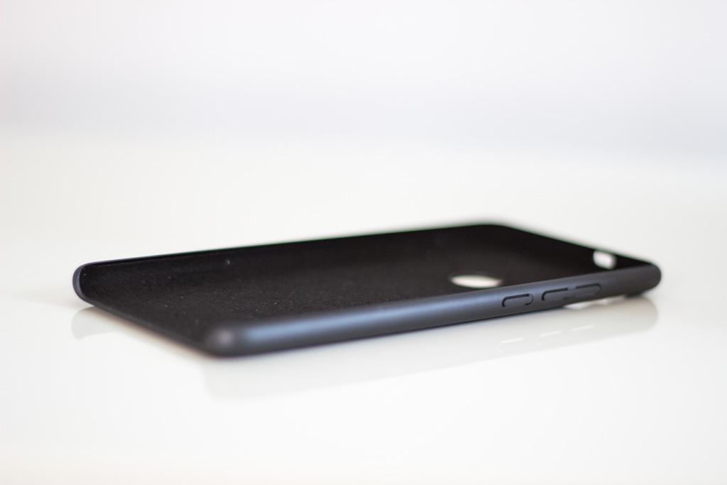 Redmi Note 5 Gyári műanyag tok, fekete