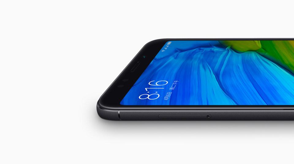 Redmi 5 Plus okostelefon - 3+32GB, fekete