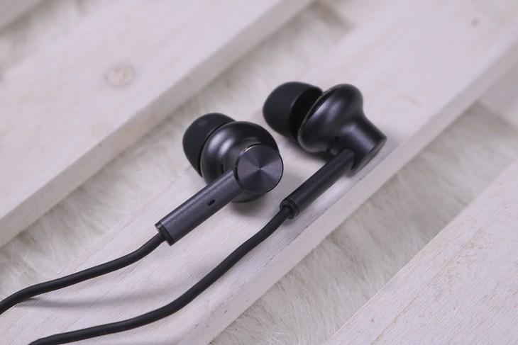Xiaomi noise-canceling fülhallgató