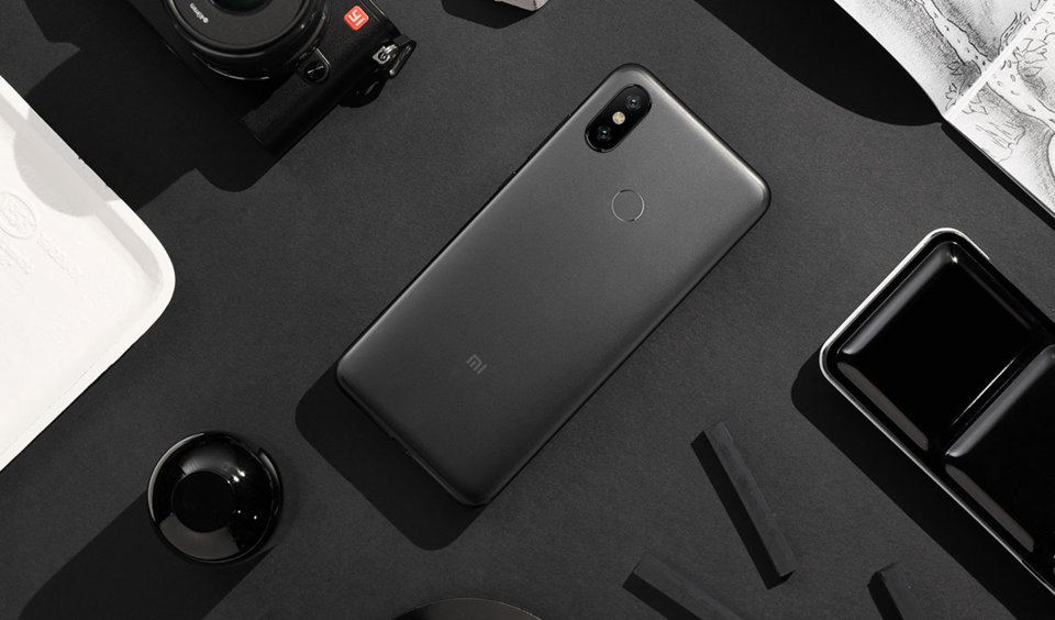 Mi 6X okostelefon 4+64GB, fekete