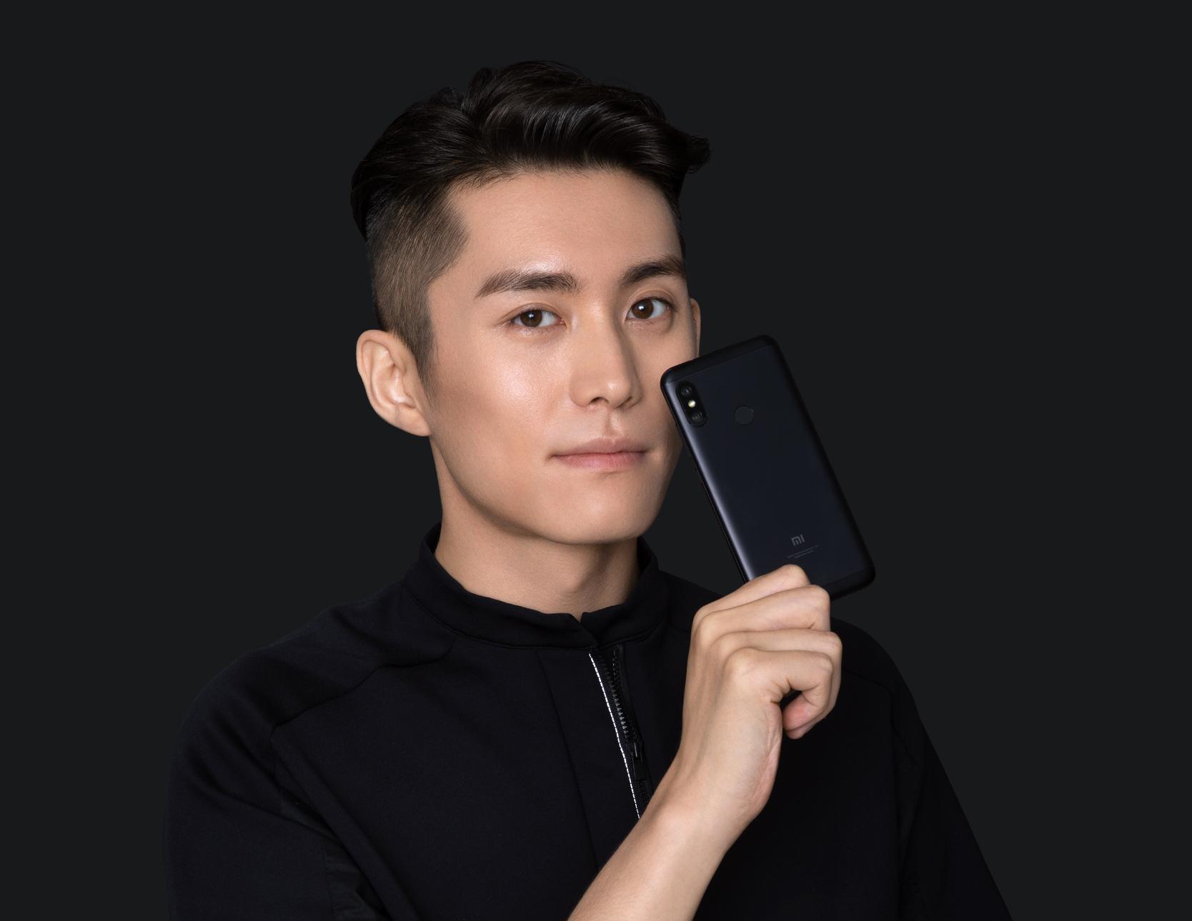 Redmi 6 Pro okostelefon - 4+64GB, fekete