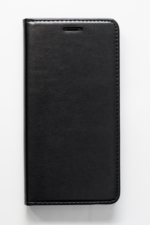 Redmi 6A mágneses Flip műbőr tok - oldalra nyíló, fekete