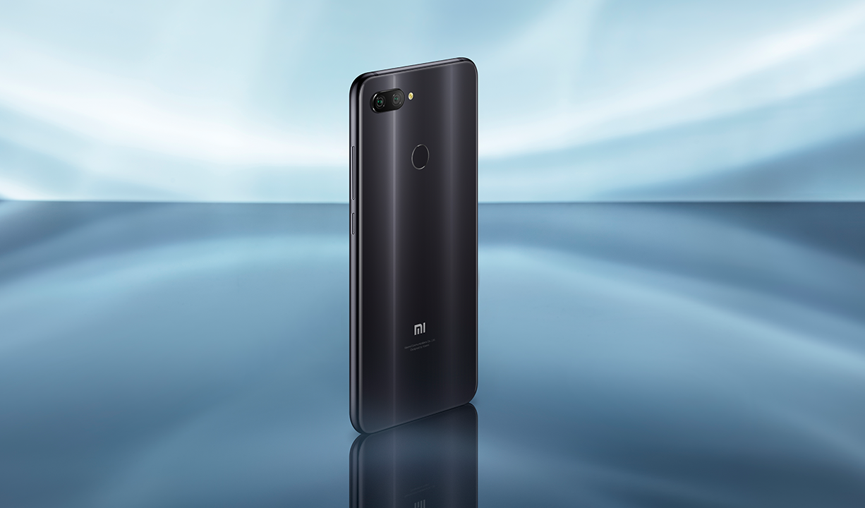 Mi 8 Lite okostelefon - Global, 4+64GB, fekete
