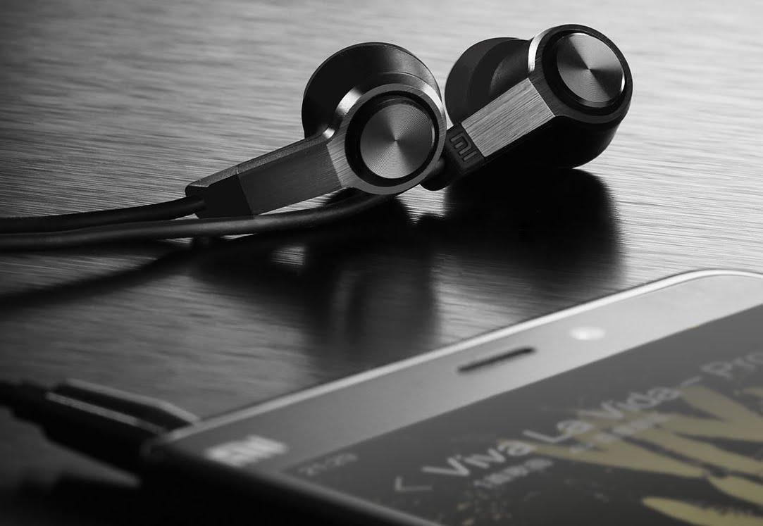 Piston 3 fülhallgató - fekete